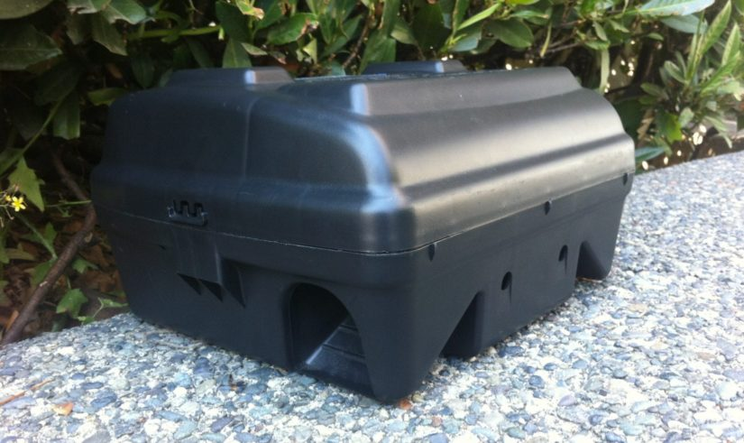 black box for rodent poison glue board traps